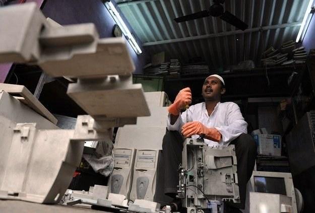 W Polsce do drukowania nadal używa się urządzeń wykorzystywanych w Krajach Trzeciego Świata /AFP