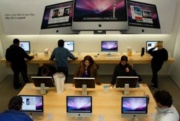 """W Polsce Mac i Mac OS to może egzotyka, ale w """"Krajach Zachodnich"""" radzi sobie coraz lepiej /AFP"""
