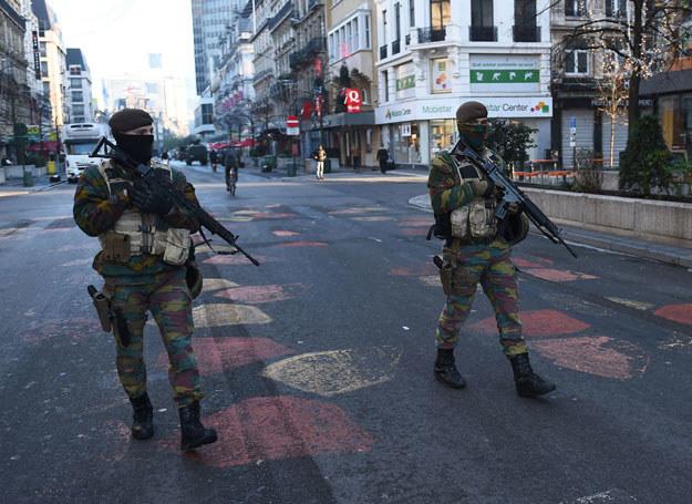 W poniedziałek w Brukseli nie działa metro, muzea, szkoły i uczelnie wyższe, wiele sklepów i kin /EMMANUEL DUNAND /AFP