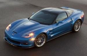 W poprzedniej generacji Corvette (C6) wariant Z06 napędzany był wolnossącym silnikiem V8 o pojemności 7 litrów (505 KM). Jednostkę z kompresorem montowano wyłącznie do wersji ZR1 (647 KM, fot. powyżej). /Chevrolet