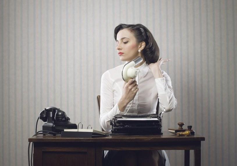 W pracy spędzasz 1/3 dnia. Pilnuj, by panujące w niej warunki nie szkodziły twojej skórze /123RF/PICSEL