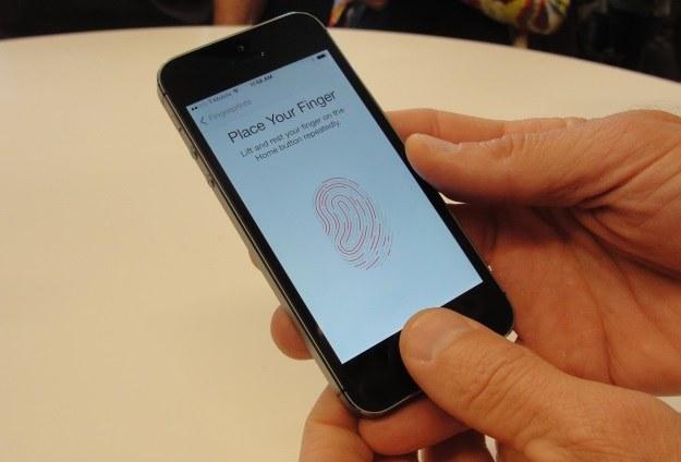 W praktyce Touch ID spisuje się znakomicie /AFP