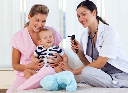 W praktyce wizyta położnej ma miejsce w pierwszym tygodniu po wypisie ze szpitala /© Panthermedia