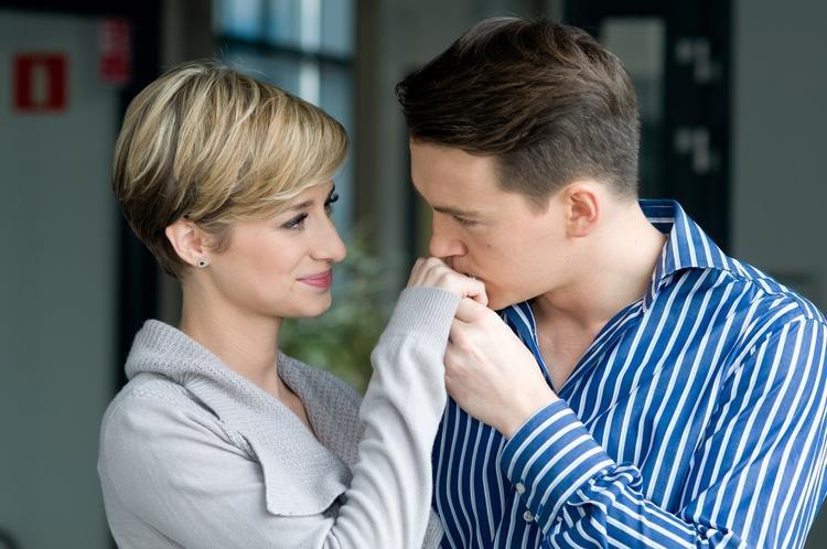 W przeszłości Sabina wybaczyła Wójcikowi zdradę. Teraz musi mu odpowiedzieć, czy chce zostać jego żoną /ATM