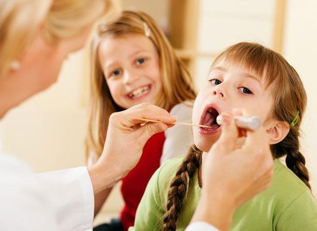 W przypadku dzieci, których rodzice przejawiali wysoki poziom stresu, praca płuc pogarszała się /© Panthermedia