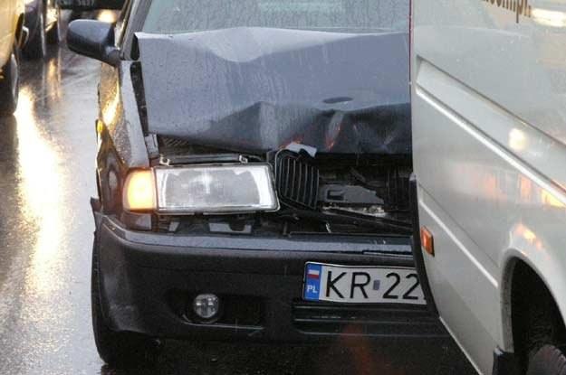 W przypadku najechania na tył w zasadzie zawsze winę za zdarzenie ponosi kierowca drugiego pojazdu /INTERIA.PL