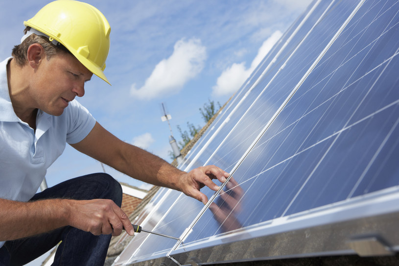 W przyszłym roku przybędzie 100 GW słonecznej mocy? /Monkey Business Images /© Glowimages