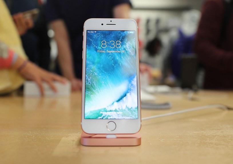 W przyszłym roku zadebiutuję trzy model: iPhone 7S, 7S Plus i 8 /AFP