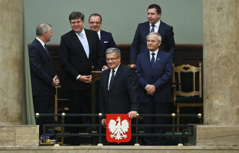 W Sejmie obecni są m.in. prezydent Bronisław Komorowski, premier Ewa Kopacz i członkowie korpusu dyplomatycznego. /Rafał Guz /PAP