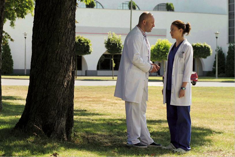 """W serialu """"Lekarze"""" gra ginekologa, który rozumie kobiety /Twój Styl"""