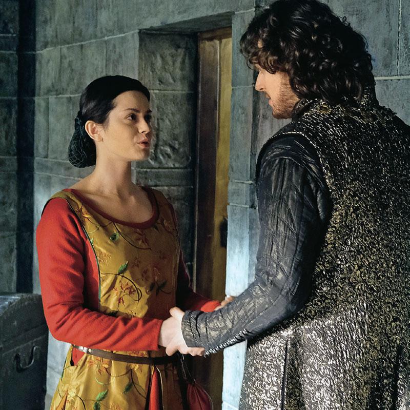 W serialu żona Niemierzy, grana przez Dominikę Lasotę, nawiązuje romans z królem /Świat Seriali
