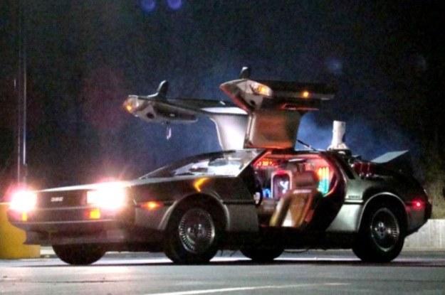 """W serii """"Powrót do przyszłości"""" wehikułem czasu był """"zwykły"""" samochód /materiały prasowe"""