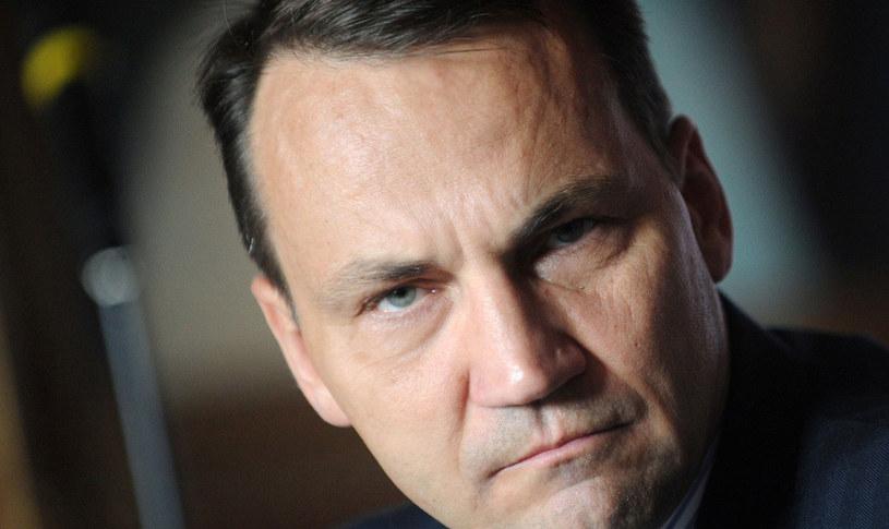W sieci zawrzało po wypowiedzi ministra spraw zagranicznych Radosława Sikorskiego /AFP