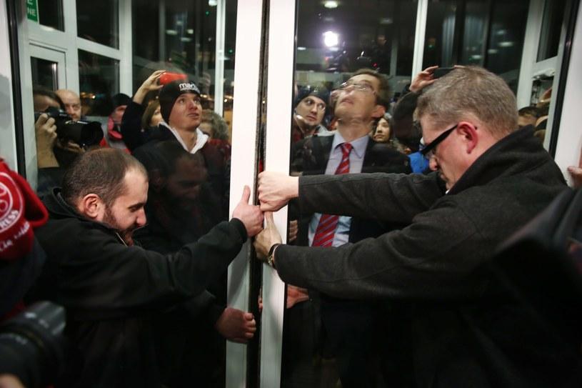 W siedzibie PKW nie interweniowała policja /Tomasz Gzell /PAP