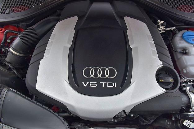 """W sportowym trybie 326-konny diesel brzmi niemal jak benzynowa """"V-ósemka"""". /Motor"""