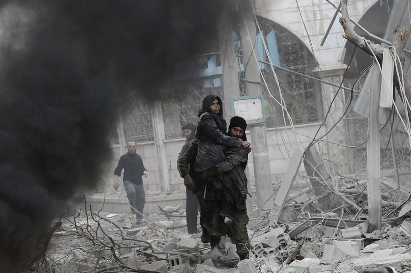 W środę syryjskie siły zbrojne, wspierane przez lotnictwo rosyjskie, nasiliły ataki na Wschodnią Ghutę /AFP