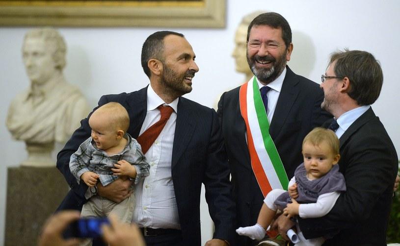 W środku burmistrz Rzymu Ignazio Marino /AFP
