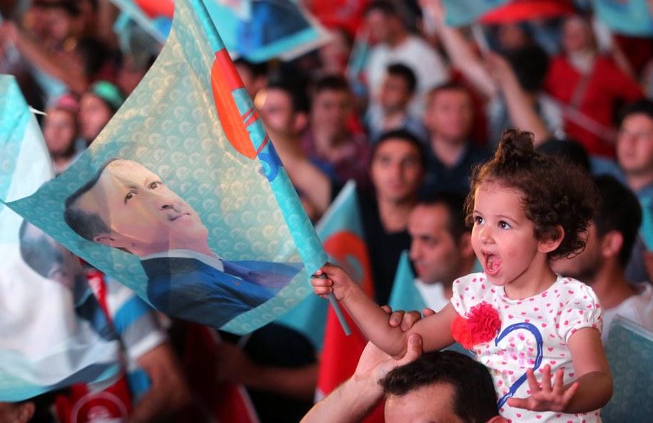 W Stambule Erdogan zdobył ponad 50 procent głosów /STRI /PAP/EPA