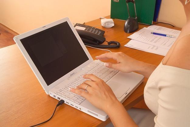 W szkołach pojawił się problem z przetargami na komputery /© Bauer