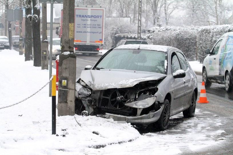 W takich warunkach przy braku opon zimowych może być problem z AC /Jarosław Jakubczak / Polska Press /East News