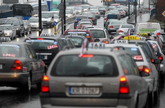 W taksówce zawsze należy wziąć paragon / Fot: M. Lasyk /Reporter