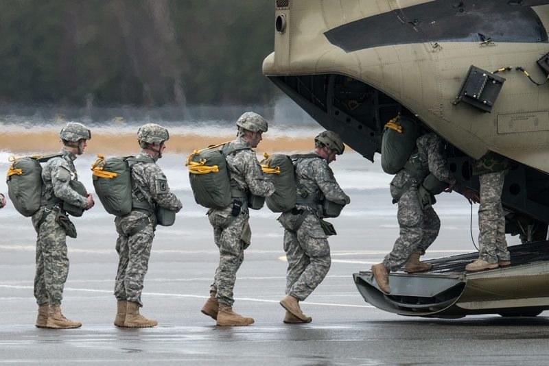 W trakcie ostrzału zginęło 5 amerykańskich żołnierzy (zdjęcie ilustracyjne) /ARMIN WEIGEL /PAP/EPA