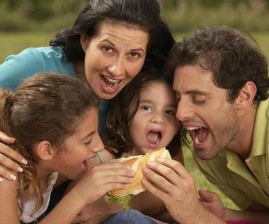 W trakcie rodzinnych posiłków dzieci nie kapryszą