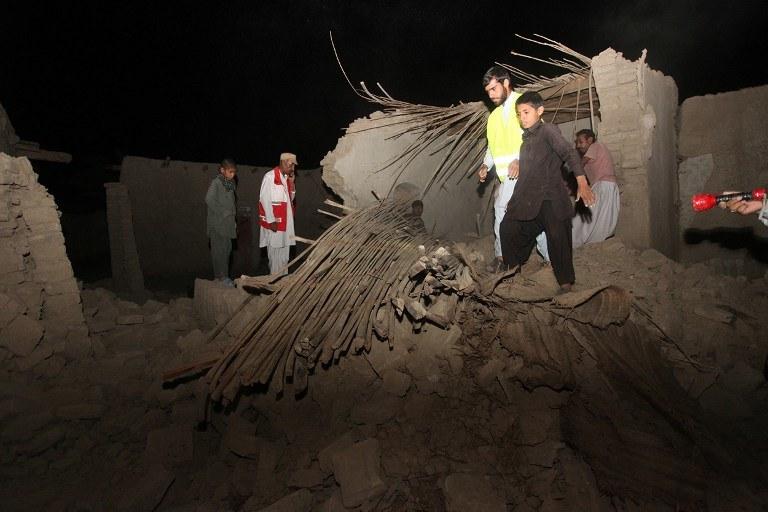 W trzęsieniu ziemi w Pakistanie zginęło już 40 osób /AFP