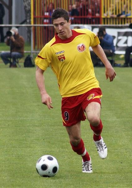 W Zniczu Pruszków spędził dwa sezony zostając królem strzelców odpowiednio trzeciej i drugiej ligi.