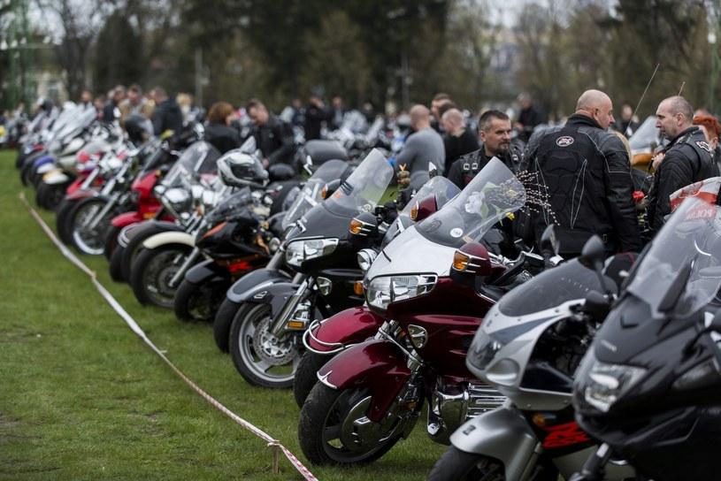 W tym roku, ze względu na pogodę, sezon motocyklowy rozkręca się powoli /Jakub Wosik  /Reporter