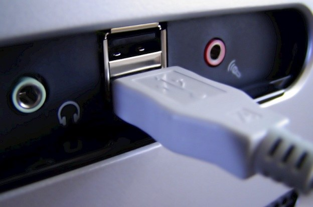 W USB istnieje poważna luka bezpieczeństwa. /stock.xchng
