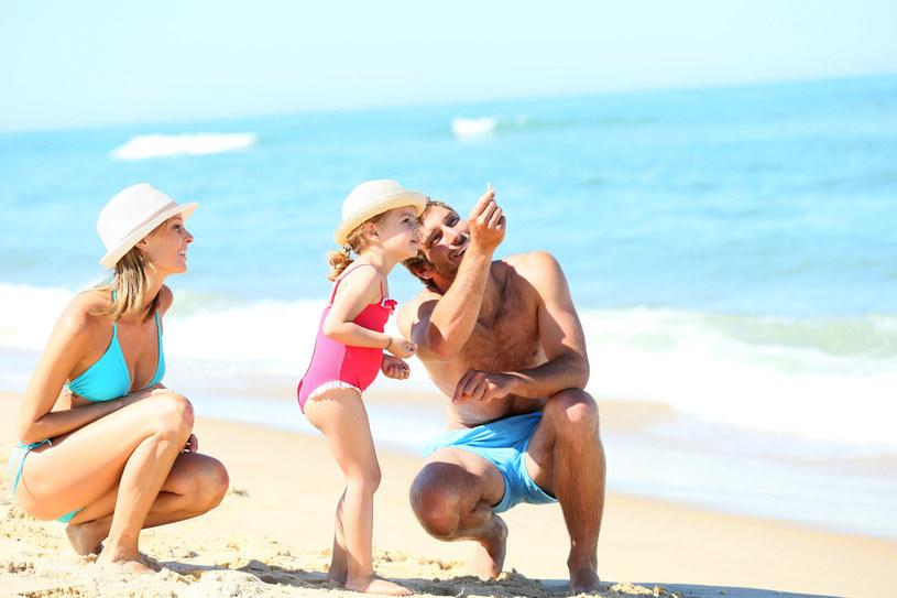W wakacje powinniśmy podpatrywać dziecięcą radość /©123RF/PICSEL