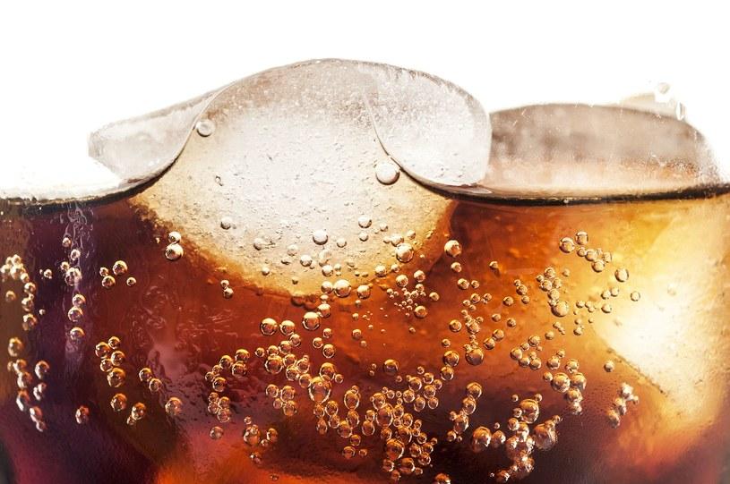 W Wenezueli z powodu braku cukru wstrzymano produkcję Coca Coli /Yalçın Sonat  /123RF/PICSEL