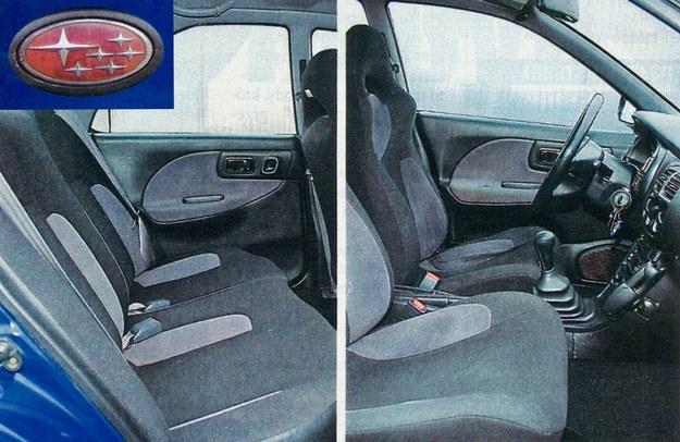 W wersji GT seryjnie oferowano przednie kubełkowe fotele z integralnym zagłówkiem, zapewniające znakomite trzymanie boczne na zakrętach. Szkoda że zapomniano o nich w modelu WRX, następcy GT. /Motor
