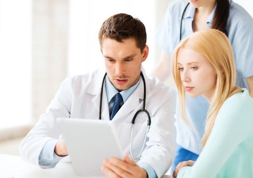 W większości pracowni endoskopowych można zrobić badanie w narkozie /123RF/PICSEL