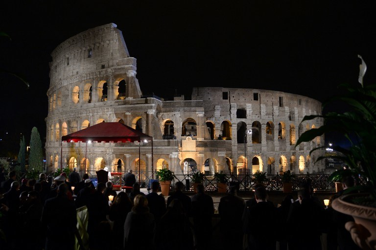 W Wielki Piatek droga krzyżowa miała miejsce w Koloseum /FILIPPO MONTEFORTE / AFP /AFP