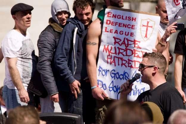 W Wlk. Brytanii panować zaczyna antyislamska histeria, dzięki której w siłę rosną takie ugrupowania, jak antyimigrancka English Defence League /AFP