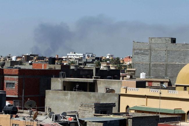 W wyniku ostrzału zniszczonych lub uszkodzonych została większość samolotów znajdujących się na lotnisku /STR /PAP/EPA