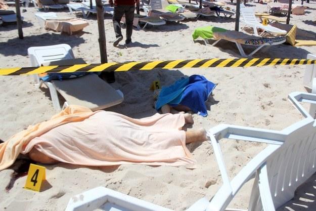 W zamachu w Tunezji zginęło co najmniej 28 osób /STR /PAP/EPA