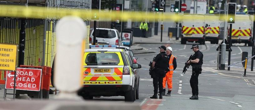 W zamachu zginęły co najmniej 22 osoby /Nigel Roddis /PAP/EPA