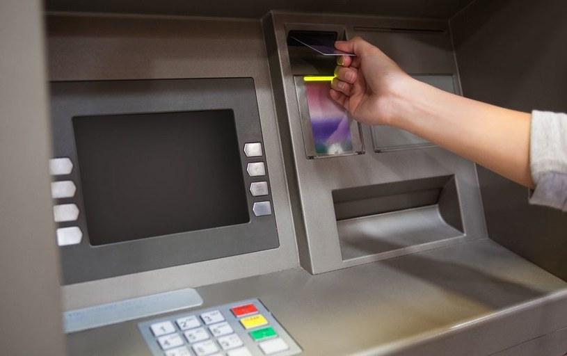 W zawodzie bankomatowego złodzieja nikomu nie można ufać... /123RF/PICSEL