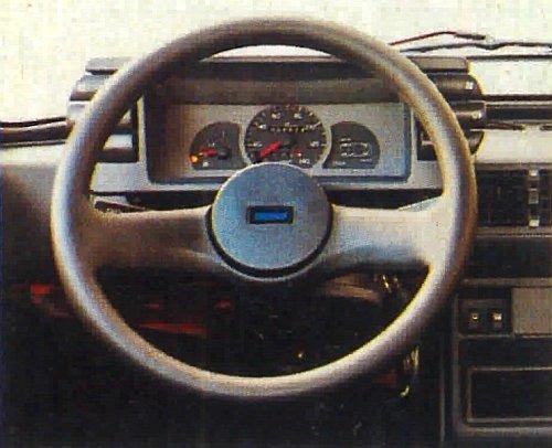 W zestawie wskaźników dodano tylko kontrolkę zaciągniętego ssania. /Motor
