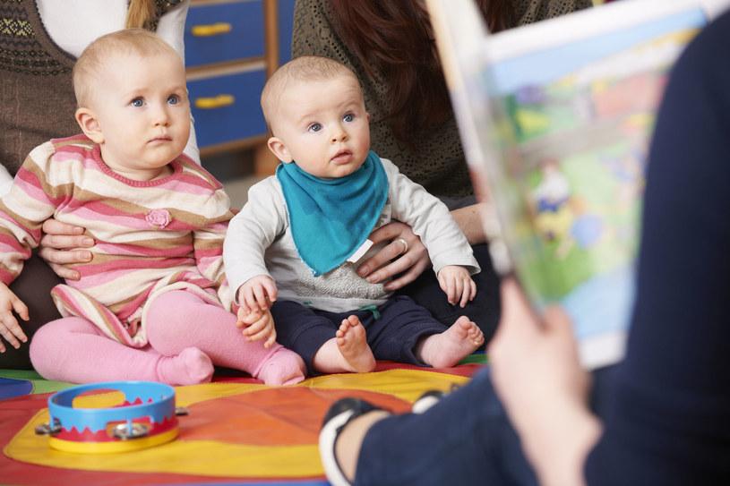 W żłobkach i przedszkolach dzieci nie narzekają na nudę – mają dużo zajęć, zabawek, pomocy dydaktycznych /©123RF/PICSEL