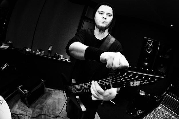 """Wacław """"Vogg"""" Kiełtyka (Decapitated) w studiu - fot. Katarzyna Sójka /"""
