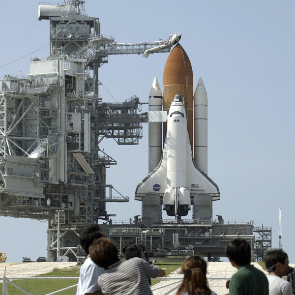 Wahadłowiec Discovery przed startem /AFP