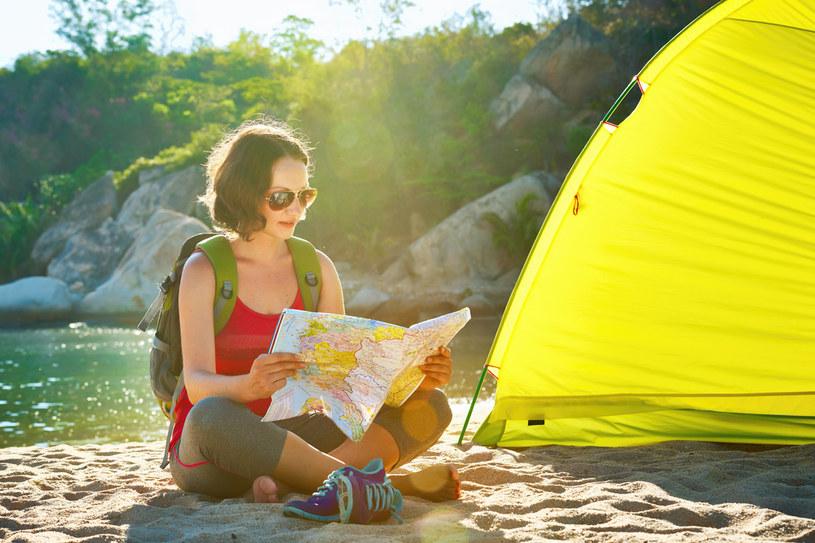 Wakacje pod namiotem – tanie, wyjątkowe, ale czy bezpieczne? /materiały prasowe