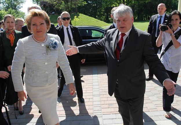Walentyna Matwijenko (L)  i Bogdan Borusewicz (P)/fot. J. Bednarczyk /PAP