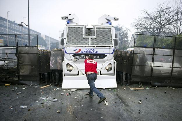 Walka o pracę idzie im lepiej niż sama praca? /AFP