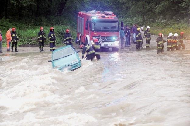 Walka o samochód / Fot: Tygodnik Podhalański /INTERIA.PL