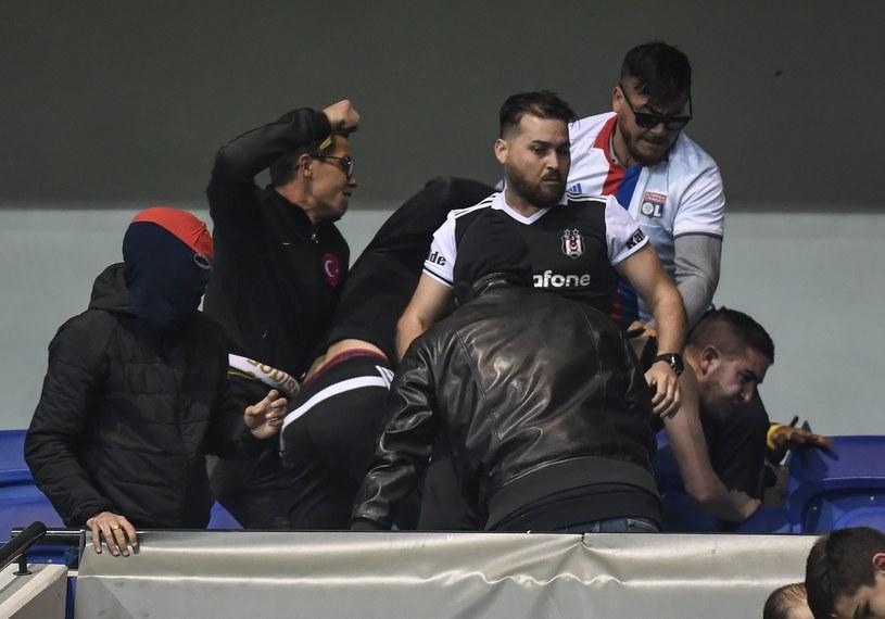Walki na stadionie w Lyonie. /AFP